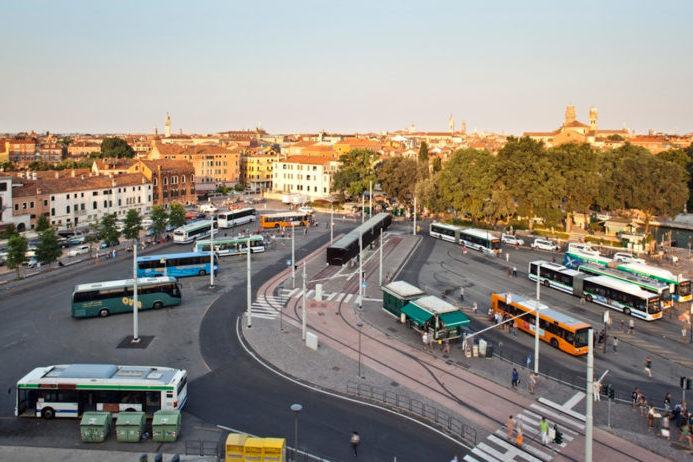 где оставить автомобиль в Венеции