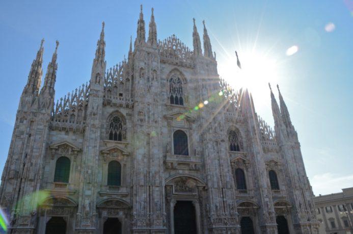 Миланский собор (Дуомо) входной билет стоит 10 евро смотровая площадка