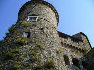 Замок Фосдиново в Гарфаньяне.